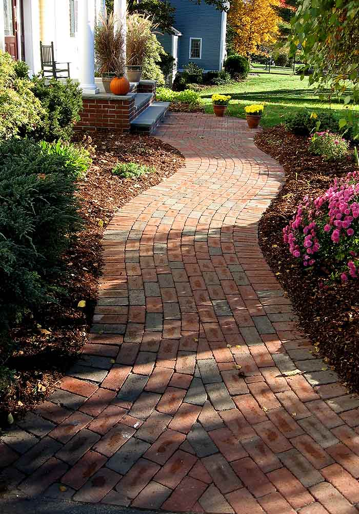 Courtyard Concepts has endless possibilities for walkway and pathway designs. For the easiest solution consider brick pavers in unique patterns to achieve ... & Walkway \u0026 Pathway Design \u0026 Installation | Courtyard Concepts