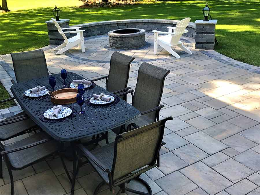 Outdoor hardscape patio and fire pit for entertaining.